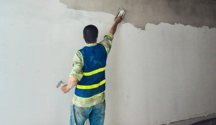 xử lý bề mặt tường cũ